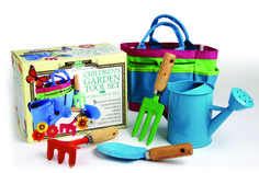 Children's Garden Tool Set. A great gift idea for Christmas. www.athomeshopping.co.uk £14.99