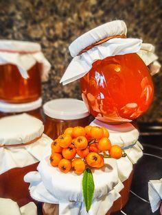 Plody hlohyně nebo rakytníku dáme do hrnce, přidáme pomerančovou šťávu, 0,5 l…