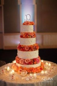 wedding-cake-with-coral-peach-flowers