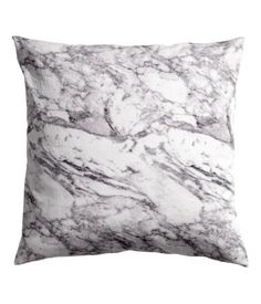 Cushion cover in cotton twill with a printed pattern. Concealed zip. Size 20 x 20 in.