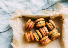 Biscuits and cookies - so good but so bad. Here's a recipe for a healthier alternative using our Matcha Powder for the cream filling.