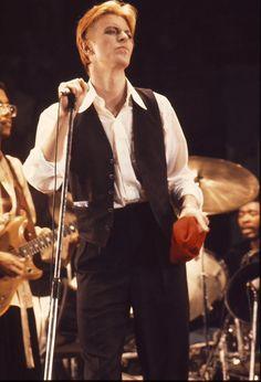 David Bowie, LA, 1976 by Neil Zlozower.