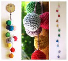 Crochet little balls! Crochet Ball, Crochet Home, Love Crochet, Beautiful Crochet, Vintage Crochet, Crochet Wall Hangings, Crochet Bunting, Crochet Decoration, Hanging Ornaments