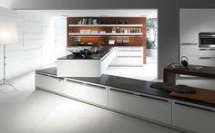Cocina moderna blanca con tirador. Para los que les gusta romper los esquemas.