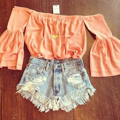Adorable spring look!! Cutoffs & off the shoulder coral top