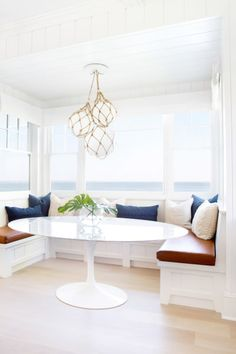 6 Complete Tips AND Tricks: Dining Furniture Ideas Paint Colors painted dining furniture thrift stores.Outdoor Dining Furniture Paint dining furniture makeover how to paint. Booth Seating In Kitchen, Banquette Seating In Kitchen, Kitchen Booths, Kitchen Benches, Dining Nook, Built In Dining Room Seating, Kitchen Sinks, Dining Bench, Kitchen Cabinets