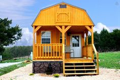 """""""Cozy Cabin In the Ozarks""""  Tinyhome style, $92/night"""