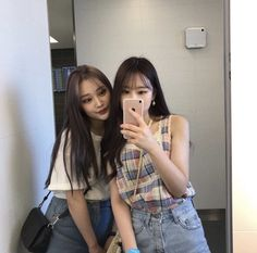 Yuna x yeri Ulzzang Korean Girl, Ulzzang Couple, Korean Best Friends, Girl Friendship, Korean People, Girl Couple, Best Friend Photos, Friend Pictures, Tumblr Girls