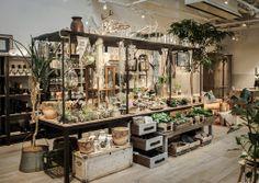 Super flowers shop design 2018 Ideas – Famous Last Words Design Shop, Flower Shop Design, Store Design, Store Concept, Flower Shop Interiors, Garden Center Displays, Boutique Deco, Garden Shop, Retail Space