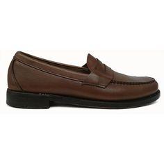 Zapato mocasín con antifaz y banda corrida en color cuero de Sebago vista lateral