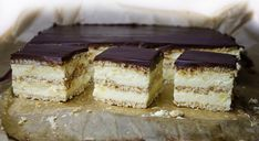 Prajitura cu crema de branza si biscuiti Romanian Desserts, Romanian Food, Tiramisu, Biscuit, Sweet Treats, Cheesecake, Cooking, Ethnic Recipes, Cream