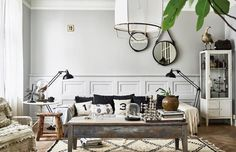 salon deco cabinet of curiosites My Living Room, Home And Living, Living Spaces, Room Interior, Interior Design Living Room, Decorating Blogs, Interior Decorating, Monochrome Interior, Eclectic Decor