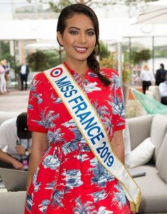 Body Shaming, Matthieu Delormeau, Miss France, Beauty Queens, Sari, Pageants, Tahiti, Rivers, Mother Nature