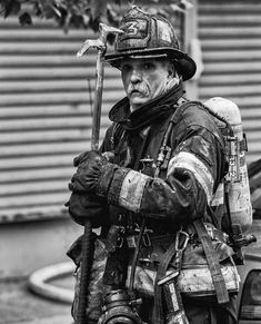 old firemen know what's up. Firefighter Recruitment, Firefighter Memes, American Firefighter, Firefighter Pictures, Firefighter Tattoos, Fire Dept, Fire Department, Fire Helmet, Fire Apparatus