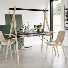 AA DESK: a workspace designed to simplify your life. And besides, it's beautiful! WOUD.