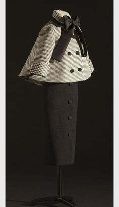 Christian Dior, Spring 1948 (the 'Aventure' suit). More