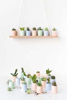 How to make mini planters with pigmented plaster that you can make at home. Paper & Stitch