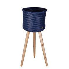 סל עם רגלי עץ - up high - כחול רויאל
