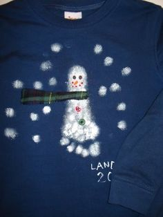 Snowman footprint T-shirt