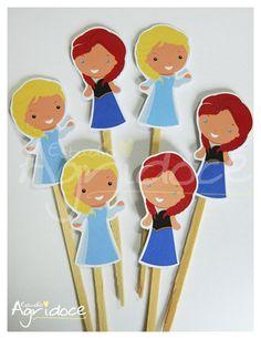 Toppers frozen para decorar cupcakes ou docinhos de festa. <br>Enviamos sortidos nos 2 modelos. <br> <br>Consulte-nos para outros temas e cores.