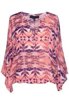 This gorgeous Sanctuary top has us feeling bohemian flirty vibes! We are obsessed with the colors and loose, flowy fit! $79 #bevello