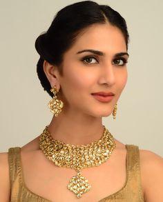 Maharani Kundan Necklace Set perfect without pendant Pakistani Jewelry, Bollywood Jewelry, Indian Jewelry, Indian Accessories, Jewelry Accessories, Fashion Accessories, Simple Jewelry, Indian Bridal, Indian Beauty