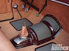 1304sr-03+1932-ford-roadster+goolsby-transmission-cover-and-floormats.jpg (1600×1200)