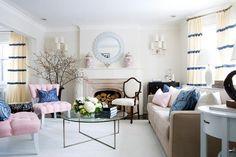 Luxuriöses Gastzimmer und pastellfarbige Sessel