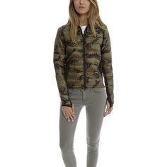 Canada Goose Hybridge Lite Jacket ($525) ❤ liked on Polyvore featuring outerwear, jackets, bestsellers, women, lightweight camo jacket, camo jackets, black zip jacket, black feather jacket and pocket jacket