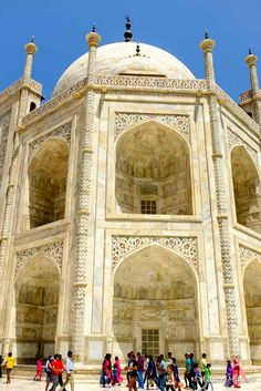 detalhes da fachada do Taj Mahal: todos esculpidos no mármore