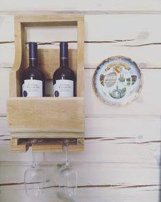 Полочка для вина из обрезков старой доски