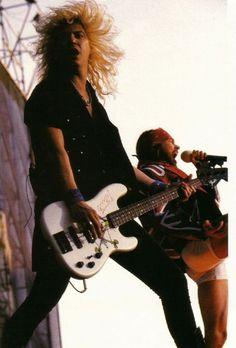 Duff McKagan - Axl Rose