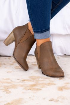 Cute Ankle Boots, Tan Boots, Fall Booties, Brown Booties, Online Clothing Boutiques, Crazy Shoes, Booty, Color Psychology, Boot Heels