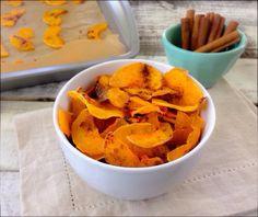 Valljuk be, elég nehéz megállni az esti nassolást, ami leginkább a csábító zsíros chipsekből áll. Kis kreativitással azonban házilag is elkészíthetjük a diétásabb verziókat.
