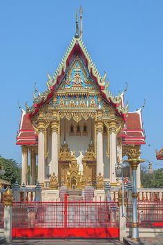 2015 Photograph, Wat Phrom Chariyawat Phra Ubosot, Pak Nam Pho, Mueang Nakhon Sawan, Nakhon Sawan, Thailand, © 2016. ภาพถ่าย ๒๕๕๘ วัดพรหมจริยาวาส พระอุโบสถ ปากน้ำโพ เมืองนครสวรรค์ จังหวัดนครสวรรค์ ประเทศไทย