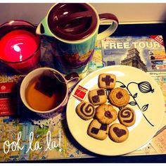 Be.You.tiful: DIY Tabuleiro de chá/café da manhã e Notebook Personalizado http://cleniadaniel.blogspot.pt/2013/10/diy-tabuleiro-de-chacafe-da-manha-e.html