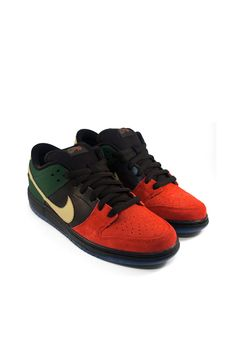 c87de2676307 Nike SB Dunk Low Pro (University Red Metallic Gold Gorge Green)