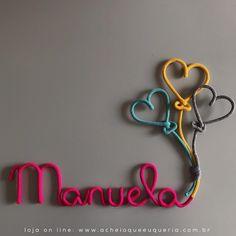 #vaisechamar Manuela 💕 Para orçar/encomendar acesse o site - link no perfil☝️e escolha o modelo 'Nome com 3 balões de coração'. No campo…