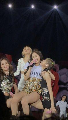Kpop Girl Groups, Korean Girl Groups, Kpop Girls, Kim Jennie, Girls Generation, Blackpink Wallpaper, My Girl, Cool Girl, Blackpink Poster