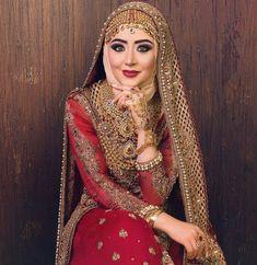 trendy Ideas for bridal hijab jewellery Bridal Hijab Styles, Muslim Brides, Pakistani Bridal Dresses, Pakistani Wedding Dresses, Bridal Lehenga, Wedding Gowns, Hijab Chic, Hijab Style Dress, Hijabs