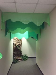 Journey Off the Map VBS tree made from plastic table clothes. Could also be used for Stalactites in Cave Quest Jungle Decorations, School Decorations, Map Decorations, Safari Party, Safari Theme, Bear Theme, Jungle Safari, Jungle Theme, Cave Quest Vbs