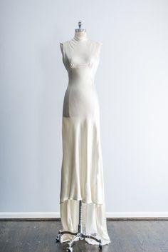 1930s Peach Silk Lace Dress - S | G O S S A M E R