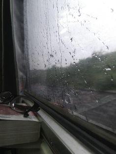 Train, rain, story begin on the train