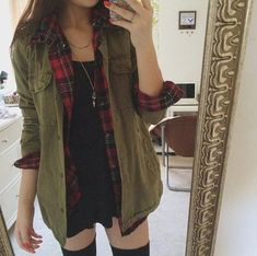 I like the flannel with this army jacket outfit with a slim fit skirt with some full tights not half like hers lol Grunge Outfits, Tumblr Outfits, Trendy Outfits, Fashion Outfits, Geek Fashion, Army Jacket Outfits, Cargo Pants Outfit, Flannel Jacket, Shirt Jacket