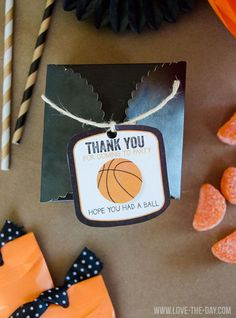 March Madness Party Favors:: Free Printable by Love The Day!