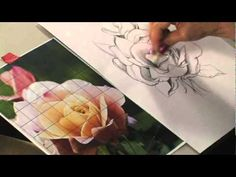 Artist Lee Hammond explains how to draw a rose with graphite in this free mini-lesson on flower drawing for beginners at ArtistsNetwork.