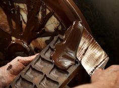 Nelle Fiandre il cioccolato è maestria. Scopri l'arte del cioccolato belga http://www.visitflanders.com/it/temi/il-cioccolato-belga/index.jsp #TasteFiandre