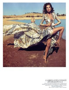 2010_02 Vogue Paris Daria Werbowy in Emilio Pucci