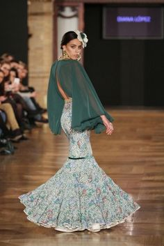 Wappíssima - We love flamenco 2015 Runway Fashion, Fashion Beauty, Fashion Outfits, Womens Fashion, Dance Outfits, Skirt Outfits, Flamenco Skirt, Spanish Dress, 2015 Fashion Trends