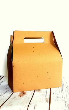 Hey, I found this really awesome Etsy listing at https://www.etsy.com/listing/454205414/12-large-natural-kraft-gable-gift-boxes